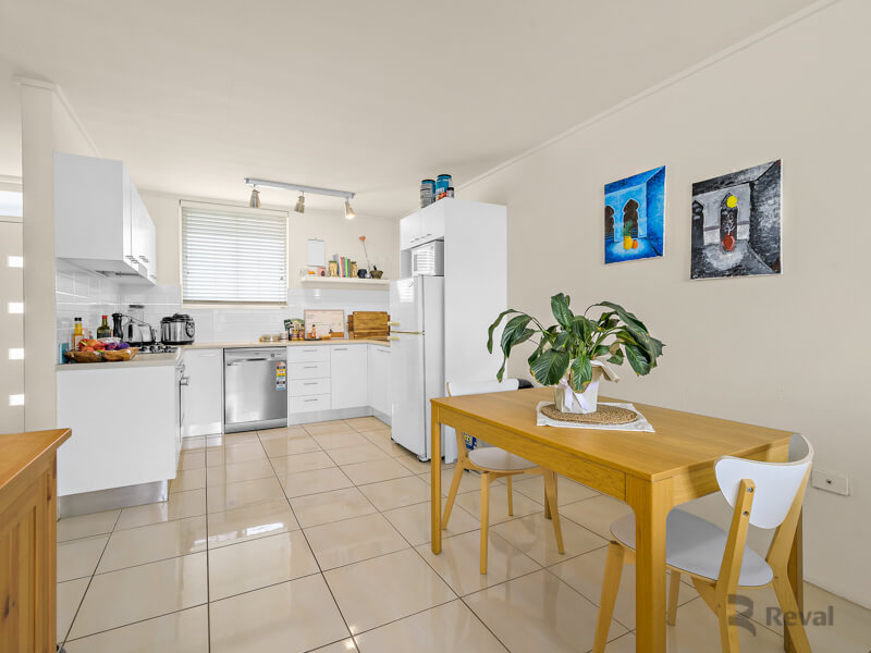 6/241 Cavendish Road Coorparoo QLD 4151