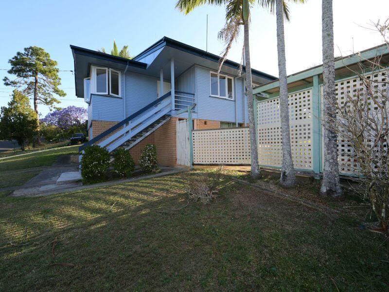 9 Patella Street Mansfield QLD 4122